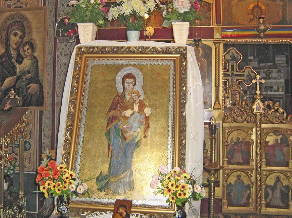 sarbatoare-la-manastirea-prislop_4